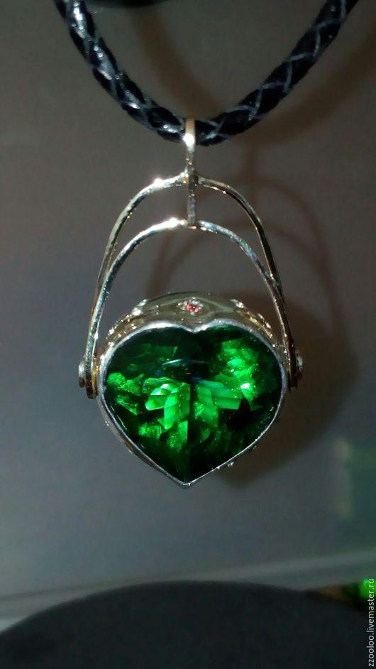 """Кулоны, подвески ручной работы. Ярмарка Мастеров - ручная работа. Купить Кулон """"Зеленое сердце"""". Handmade. Комбинированный"""