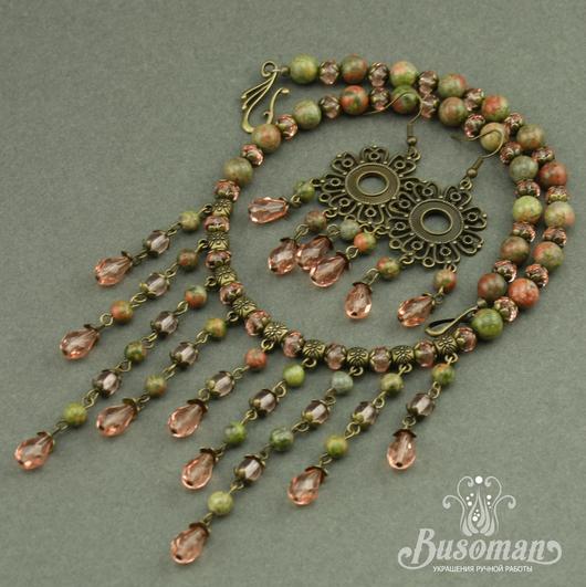 Комплект украшения колье и серьги из унакита и чешского стекла. Розово зеленое украшение