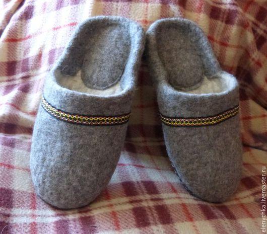 Обувь ручной работы. Ярмарка Мастеров - ручная работа. Купить Мужские войлочные тапочки. Handmade. Серый, подарок мужчине