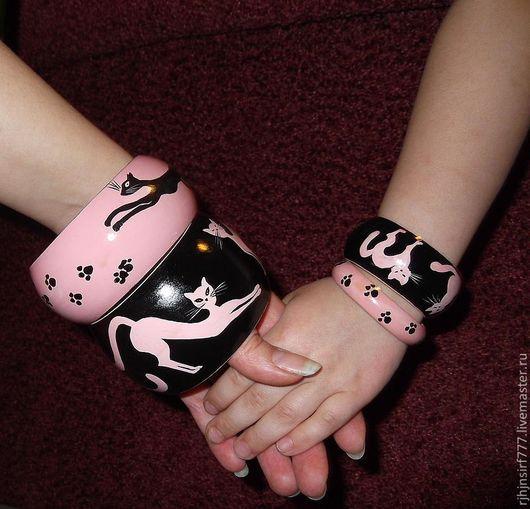 Браслеты ручной работы. Ярмарка Мастеров - ручная работа. Купить Комплект браслетов Кошки. Handmade. Розовый, расписной браслет, черный