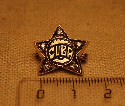 Значек с надписью CUBA