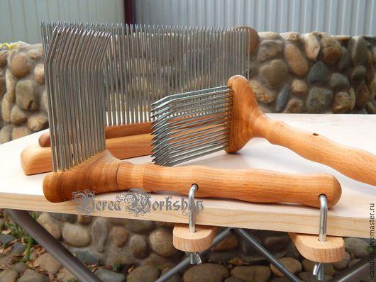 Другие виды рукоделия ручной работы. Ярмарка Мастеров - ручная работа. Купить набор большой гребень и 2 расчески с креплениями. Handmade.