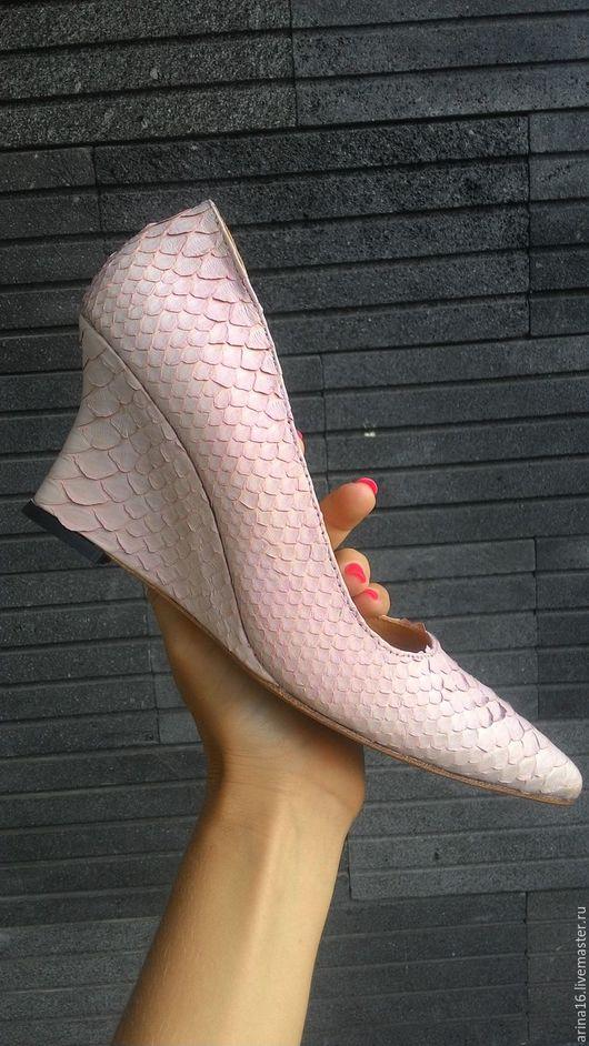 Обувь ручной работы. Ярмарка Мастеров - ручная работа. Купить туфли на фигурной танкетке. Handmade. Бежевый, туфли женские