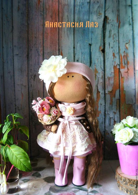 Коллекционные куклы ручной работы. Ярмарка Мастеров - ручная работа. Купить Девочка с цветами. Handmade. Бежевый, Декор, кукла в подарок