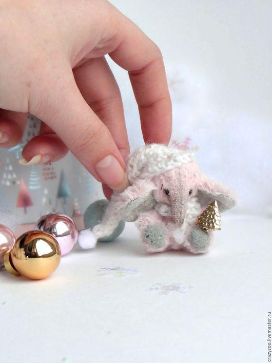 Игрушки животные, ручной работы. Ярмарка Мастеров - ручная работа. Купить Зимний миниатюрный розовый слоник приносящий счастье. Handmade.