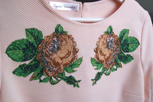 """Платья ручной работы. Ярмарка Мастеров - ручная работа. Купить Платье с вышивкой """"Розы"""" персиковое. Handmade. Бежевый, трикотаж"""