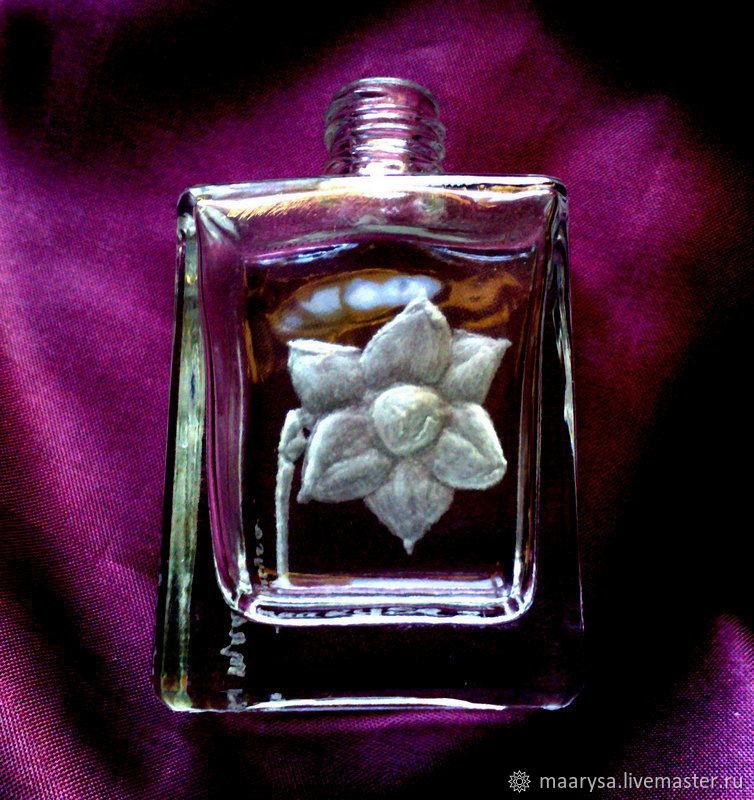 Флакон для парфюма. Уникальные флаконы с ручной гравировкой. Красивые флаконы.
