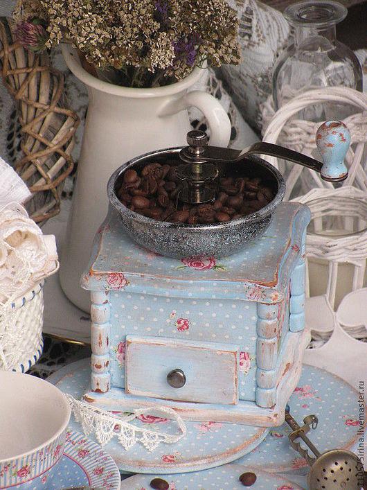"""Кухня ручной работы. Ярмарка Мастеров - ручная работа. Купить КОФЕМОЛКА  в стиле """" Shabby chic"""". Handmade. Голубой, дерево"""