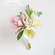ручной работы. Ярмарка Мастеров - ручная работа Бутоньерка с цветами из полимерной глины в персиково-розовы. Handmade.
