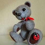 Куклы и игрушки ручной работы. Ярмарка Мастеров - ручная работа Медвежонок с Божьей коровкой. Handmade.