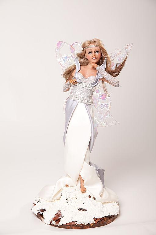 Интерьерная кукла из пластика