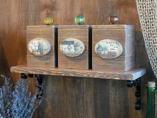 Набор коробов для кухни на деревянной полочке из массива сосны. Кантри стиль. `LedaksDecor`.