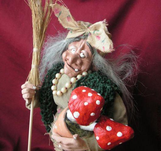Сказочные персонажи ручной работы. Ярмарка Мастеров - ручная работа. Купить Баба-Яга с мухоморусами (фитотерапЭвт). Handmade. Сказочный персонаж