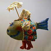 Куклы и игрушки ручной работы. Ярмарка Мастеров - ручная работа Рыбка под зонтиком. Нашла новый аквариум!. Handmade.