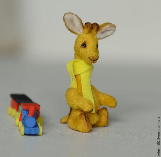 Мишки Тедди ручной работы. Ярмарка Мастеров - ручная работа. Купить Жирафик Ромма. Handmade. Оранжевый, в ладошке, фетр