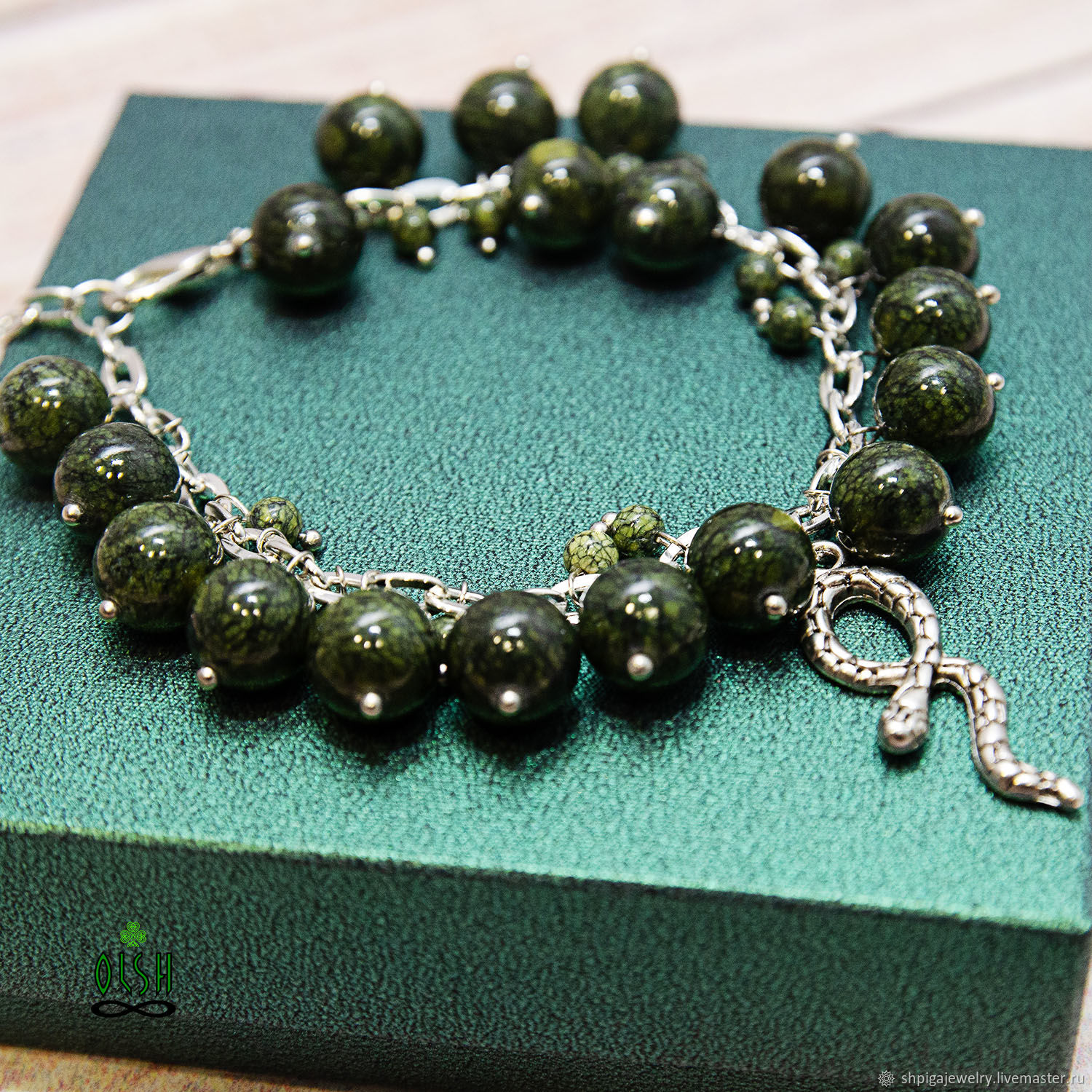 The bracelet is made of natural serpentine Snake, Bead bracelet, Budennovsk,  Фото №1