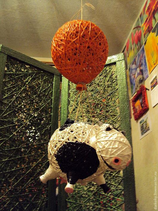 Куклы и игрушки ручной работы. Ярмарка Мастеров - ручная работа. Купить На воздушном шаре - мандаринового цвета. Handmade. Корова
