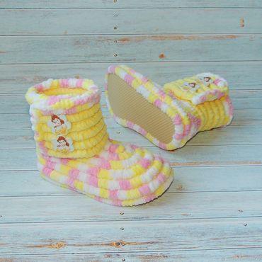 Обувь ручной работы. Ярмарка Мастеров - ручная работа Вязаная обувь. Сапожки плюшевые, детская обувь, цвет. Handmade.