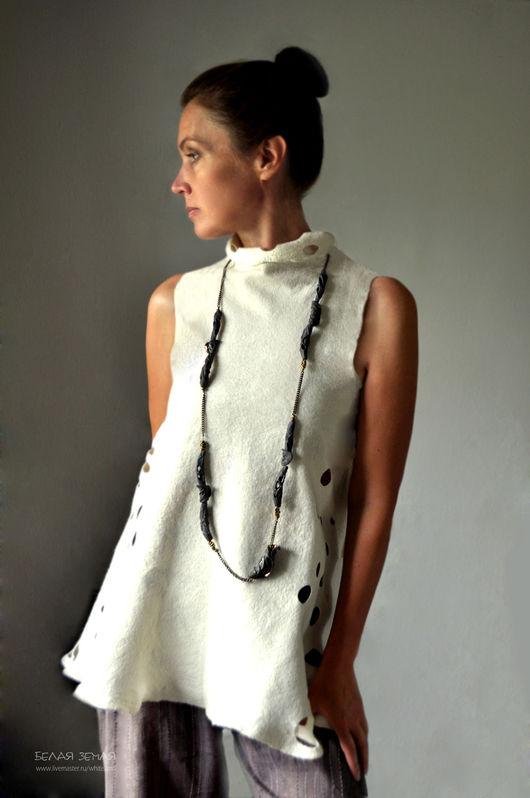 """Колье, бусы ручной работы. Ярмарка Мастеров - ручная работа. Купить Ожерелье  из серии """"Листья"""", черный фарфор.. Handmade."""