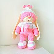 Куклы и игрушки ручной работы. Ярмарка Мастеров - ручная работа Зайка -девочка в розовом комбинезоне. Handmade.
