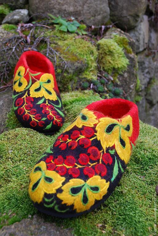 Обувь ручной работы. Ярмарка Мастеров - ручная работа. Купить Тапочки «Красная смородина» русский стиль. Handmade. Ярко-красный