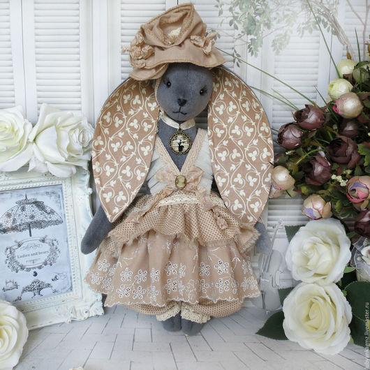 зайка тедди зайка. заяц купить. игрушка заяц. игрушка зайка. зайчонок. зай. кролик. серый заяц. цвет какао. цвет кофе с  молоком. зайчик красивый. салон игрушек леди и медведи. бежево-молочный.
