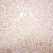 Вышивка на сетке нежно-персикового цвета