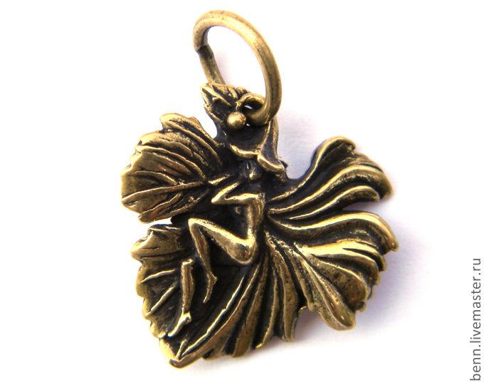 """Кулоны, подвески ручной работы. Ярмарка Мастеров - ручная работа. Купить Кулон """"Фея на листике"""". Handmade. Ангел, талисман, волшебство"""