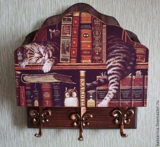 """Прихожая ручной работы. Ярмарка Мастеров - ручная работа. Купить Ключница """"Кот-книголюб"""". Handmade. Коричневый, подарок на любой случай"""
