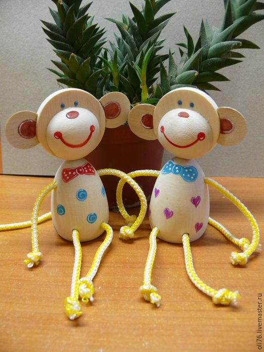 Игрушки животные, ручной работы. Ярмарка Мастеров - ручная работа. Купить Весёлая обезьянка. Handmade. Разноцветный, символ 2016, дерево