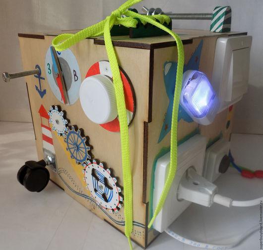 """Развивающие игрушки ручной работы. Ярмарка Мастеров - ручная работа. Купить Бизибокс """"Тип-топ"""" с музыкальной кнопкой звонка. Handmade."""