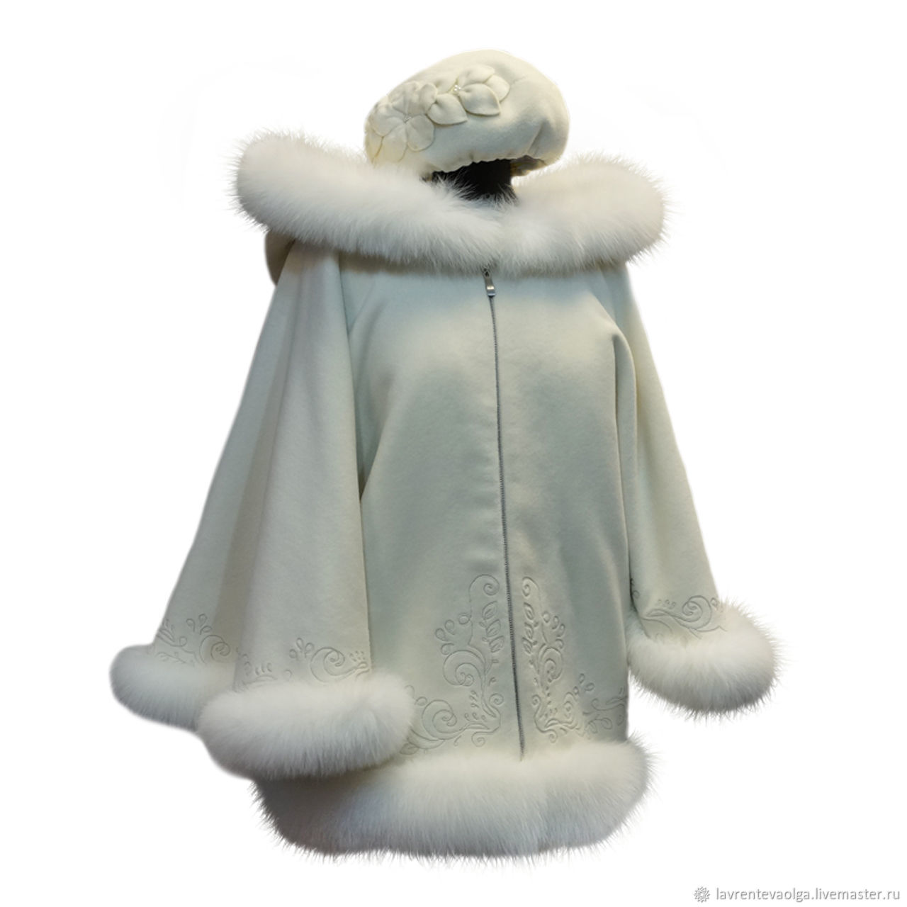 White cashmere jacket with blue Fox fur, Outerwear Jackets, Moscow,  Фото №1