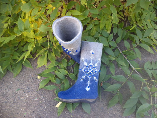 Обувь ручной работы. Ярмарка Мастеров - ручная работа. Купить валенки расшитые бусинами. Handmade. Разноцветный, валенки женские