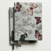 Канцелярские товары ручной работы. Ярмарка Мастеров - ручная работа Блокнот А6 с бабочками в клетку. Handmade.