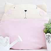 Для дома и интерьера ручной работы. Ярмарка Мастеров - ручная работа Розовая Подушка декор в детскую, Розовый кот игрушка подарок, Pillow. Handmade.