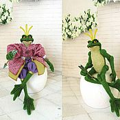 Куклы и игрушки ручной работы. Ярмарка Мастеров - ручная работа Лягушка - Царевна (Валянная шарнирная лягушка). Handmade.