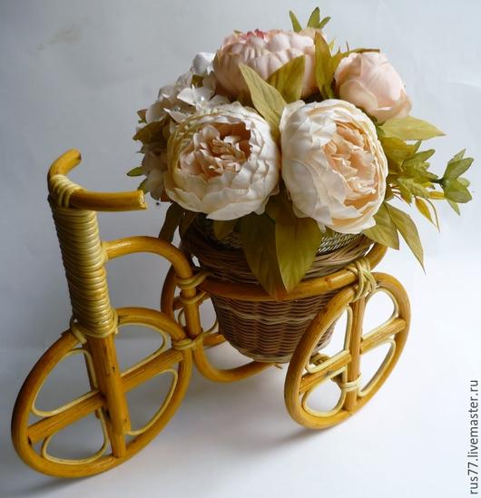 """Интерьерные композиции ручной работы. Ярмарка Мастеров - ручная работа. Купить """"Пионы на велосипеде"""" интерьерная композиция. Handmade. Бежевый"""