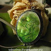 """Украшения ручной работы. Ярмарка Мастеров - ручная работа перламутровый кулон """"Ever green"""". Handmade."""