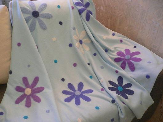 """Пледы и одеяла ручной работы. Ярмарка Мастеров - ручная работа. Купить Плед детский """"Цветы на голубом"""". Handmade. Голубой, флис"""