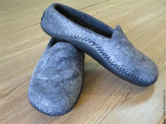 Обувь ручной работы. Ярмарка Мастеров - ручная работа. Купить Тапки  валяные мужские. Handmade. Темно-серый