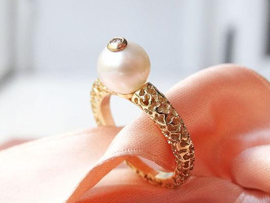 Кольца ручной работы. Ярмарка Мастеров - ручная работа. Купить Золотое кольцо с жемчужиной и бриллиантом. Handmade. Золотой, подарок девушке