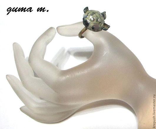 """Кольца ручной работы. Ярмарка Мастеров - ручная работа. Купить Кольцо ручной работы в технике  lampwork """"Черепашка"""". Handmade. Хаки"""
