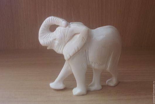 Статуэтки ручной работы. Ярмарка Мастеров - ручная работа. Купить Слоник из кости. Handmade. Белый, кость резная, сувенир