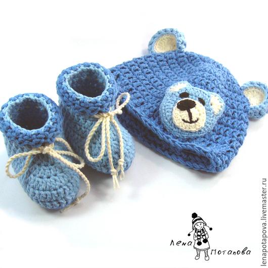 """Для новорожденных, ручной работы. Ярмарка Мастеров - ручная работа. Купить Комплект на выписку """"Мой мишка"""" (шапочка и пинетки). Handmade."""