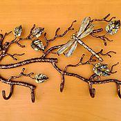 Для дома и интерьера ручной работы. Ярмарка Мастеров - ручная работа Вешалка ветка со стрекозой. Handmade.