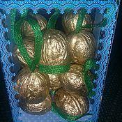 Подарки к праздникам ручной работы. Ярмарка Мастеров - ручная работа Золотые орешки с пожеланиями. Handmade.