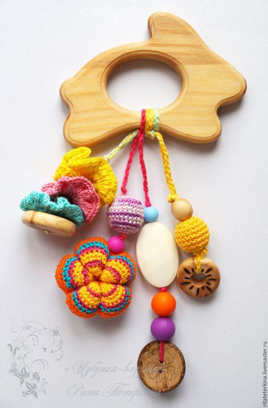 """Развивающие игрушки ручной работы. Ярмарка Мастеров - ручная работа. Купить грызунок-прорезыватель """"Зайка"""". Handmade. Грызунок, слингобусы"""