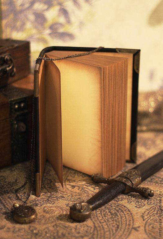 Записные книжки ручной работы. Ярмарка Мастеров - ручная работа. Купить Винтажная записная книжка в чёрной коже. Handmade. Черный