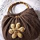 Удобная вместительная сумка, вязаная крючком.  Бамбуковые овальные ручки придают особый шарм сумочке.