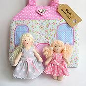 Куклы и игрушки ручной работы. Ярмарка Мастеров - ручная работа Домик-сумочка с балкончиком для двух куколок Цветочная поляна. Handmade.